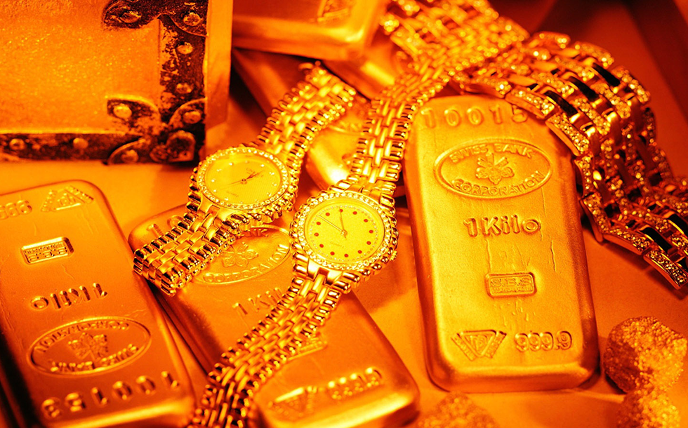 Sell Us Gold Jewelry Buyers of Watches in Diamond District New York